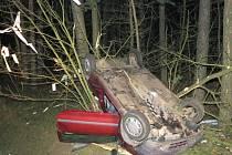 Zatáčka u Horního Žďáru si vyžádala dvě těžká zranění.