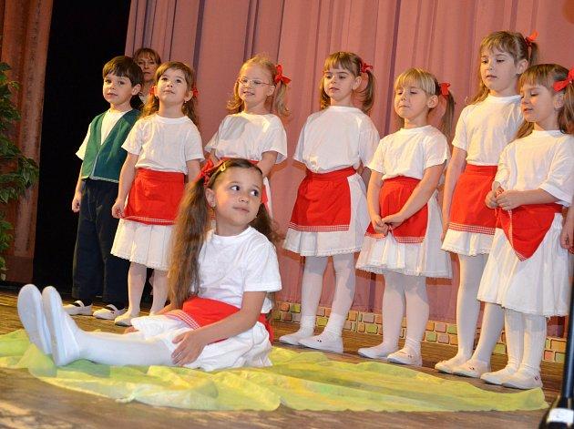 Ve čtvrtek odpoledne se v sále KD Střelnice Jindřichův Hradec slavil Mezinárodní den žen.