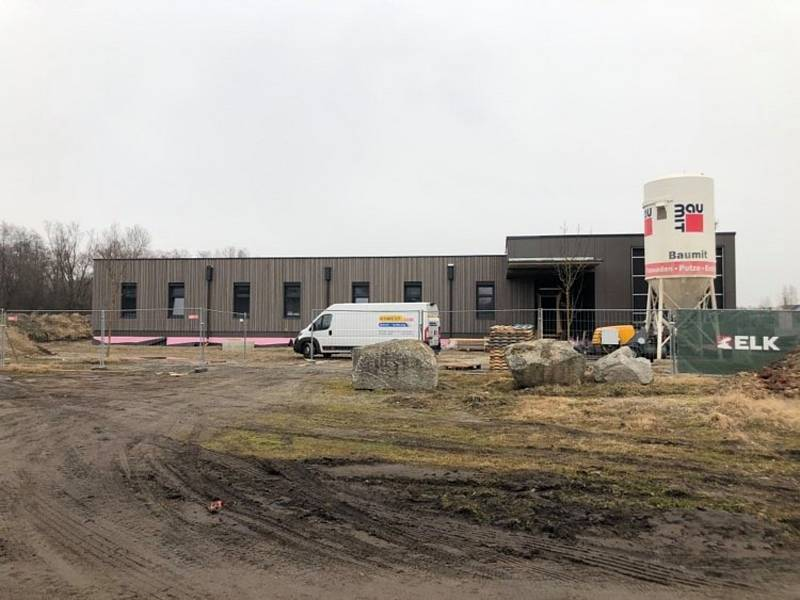 Novostavba přehraničního centra.