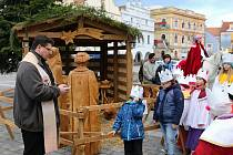V Třeboni začala Tříkrálová sbírka průvodem a požehnáním.