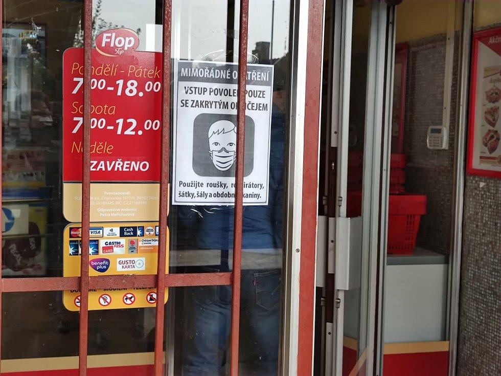 Některé menší obchody na jihu Čech nyní zaznamenávají vyšší tržby.