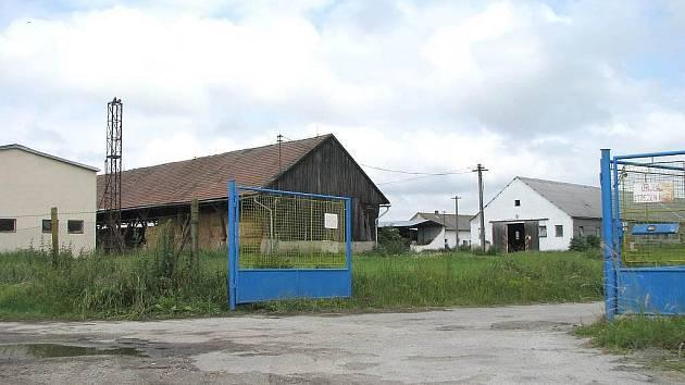 Areál farmy v Dunajovicích.