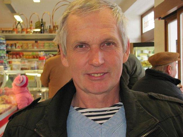 Jaroslav Cempírek: Narodil se 18.července 1951vJindřichově Hradci. Je pedagogem Gymnázia Vítězslava Nováka vJ. Hradci.