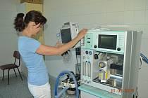 Zdravotní sestry slaví mezinárodní den ošetřovatelství 12. května.