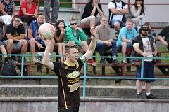 Kapitán včelnických fotbalistů Marek Petráš dovedl svůj tým k zisku prvního bodu v krajském přeboru. Včelnice doma remizovala se silným Rudolfovem 0:0.