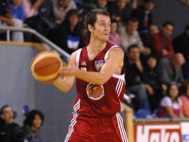 Rozehrávač Lions Jiří Holanda je jednou z ústředních postav finále basketbalové I. ligy.