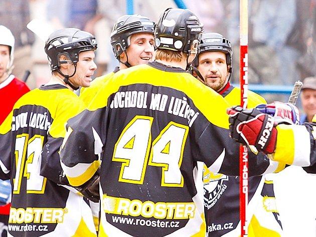 Hokejbalistům Suchdola se v I. lize daří.