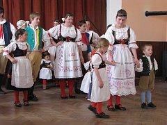 Na oslavách Mezinárodního dne žen v Žíteči vystoupil folklórní soubor Javor z Lomnice nad Lužnicí.