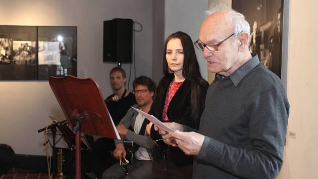 V jindřichohradeckém muzeu fotografie začala výstava fotografií a fotomontáží píseckého rodáka Jiřího Škocha.
