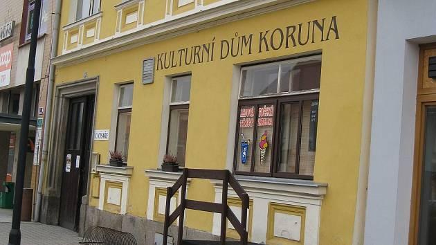 Nová Bystřice. Kulturní dům Koruna.