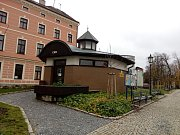 Veřejné WC v jindřichohradeckém parku.