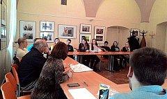 Studenti se v Jindřichově Hradci zapojili do projektu Zvol si svého prezidenta.