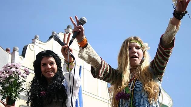 studenti roztančili Třeboň