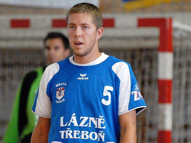 Ve výborné formě vstoupil do rozhodující fáze sezony křídelník třeboňských házenkářů Jan Bicek.  Proti  Plzni zaznamenal 9 gólů a věří, že si nějaké schoval i pro středeční důležitý duel v Kopřivnici.