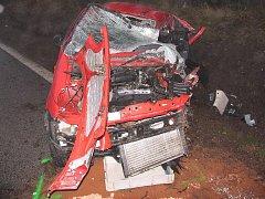 Při srážce s kamionem mezi Mosty a Valtínovem  přišla řidička o život.