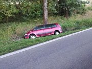 Pondělní ranní nehoda u Horní Lhoty na trase z Jindřichova Hradce do Třeboně, kde se opravuje silnice.