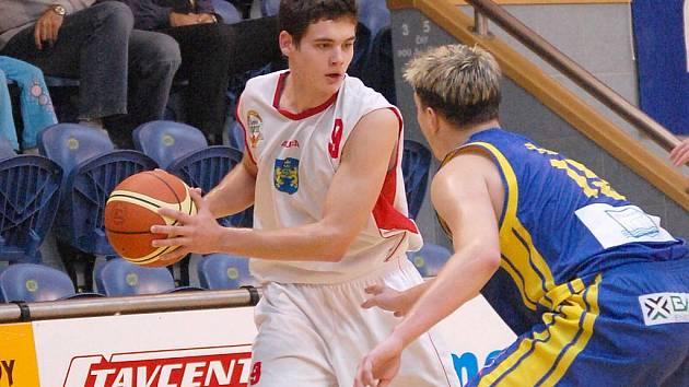 Juniorský reprezentant Jan Švejda odvedl stejně jako jeho spoluhráči v dresu BK Lions v Trutnově a Liberci výborný výkon.