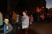 V Jindřichově Hradci se konal tradiční lampionový průvod.