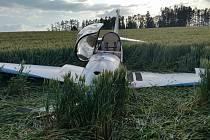 Nehoda motorového větroně u Jindřichova Hradce.