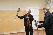 Vánoční koncert Petra Přibyla a jeho hostů se konal v hradeckém muzeu fotografie.