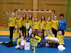 Jindřichohradecké mladší žákyně ovládly silně obsazený turnaj v Praze.