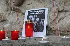 Na jindřichohradeckém náměstí Míru si lidé připomněli Den boje za svobodu a demokracii.