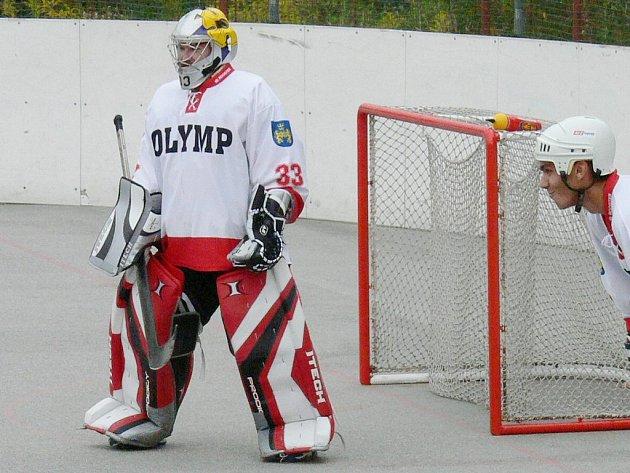 Brankář jindřichohradeckých prvoligových hokejbalistů Ondřej Průša podal v souboji s Kladnem výborný výkon a výraznou měrou přispěl k hladkému vítězství  Olympu 6:0, přičemž jako třešničku na dortu přidal i čisté konto.