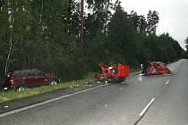 Tragická nehoda u Stráže nad Nežárkou si vyžádala dva lidské životy a osm zraněných.