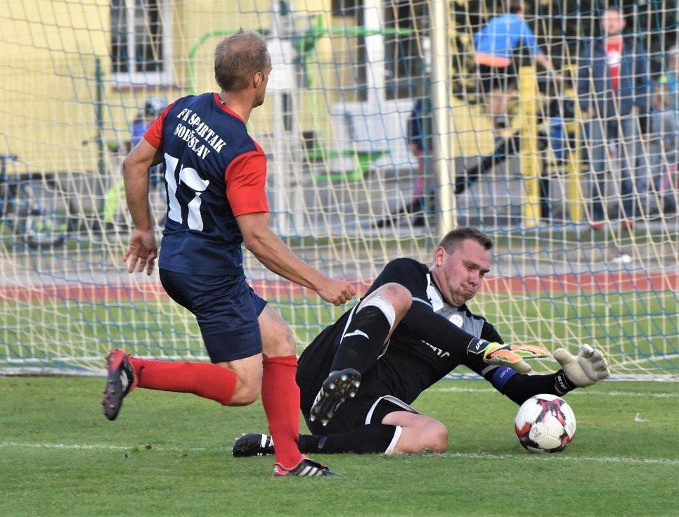 Jindřichohradečtí fotbalisté si v divizi připsali cennou výhru 3:2 na půdě Soběslavi.