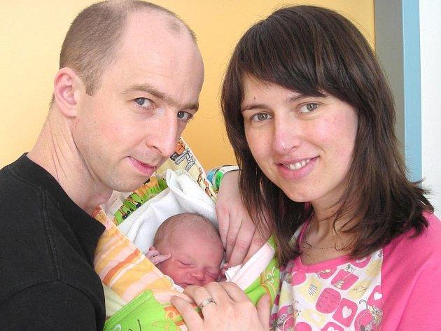 Tomáš Kučera z Jindřichova Hradce se narodil 7.března 2011 Janě a Petrovi Kučerovým. Měřil 49 centimetrů a vážil 2750 gramů.