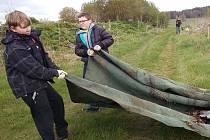 V neděli se opět sešli kardašovořečičtí dobrovolníci, aby se vydali na úklid do přírody.