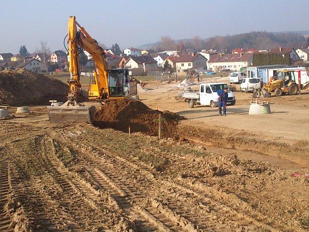 Parcely na výstavbu domků v Dačicích v lokalitě Za Školou. Ilustrační foto.
