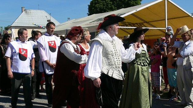 Staroměstské slavnosti pod Landštejnem patří mezi vyhledávané letní akci.