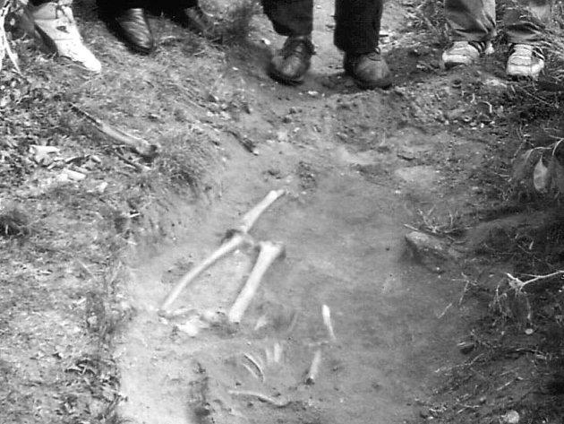 Odkryté lidské ostatky v Kařdašově Řečici.