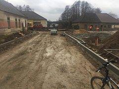V Klikově finišují dokončovací práce po výstavbě kanalizace.