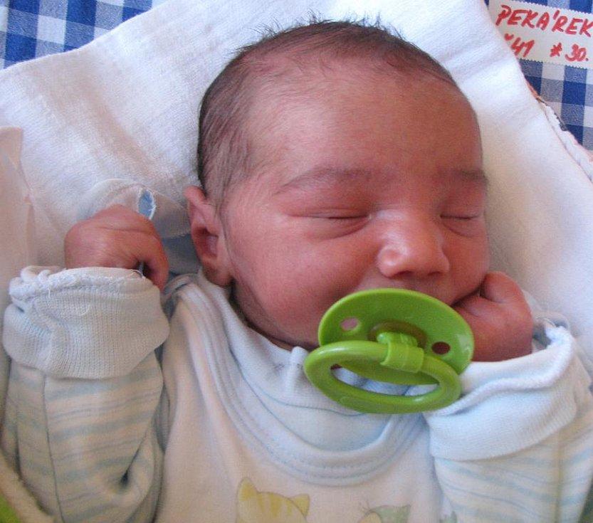 Tomáš Pekárek z Rapšachu se narodil 30. ledna 2012 Jaroslavě Pekárkové a Vojtěchu Nistorovi. Měřil 48 centimetrů a vážil 2 970 gramů.
