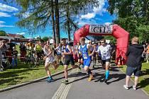 Loni běžci v Nové Bystřici podpořili Honzíka.