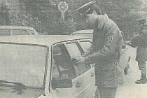 Již v prosinci 1989 bylo možné vyrazit do Rakouska. Snímek je z hraničního přechodu v Nové Bystřici.