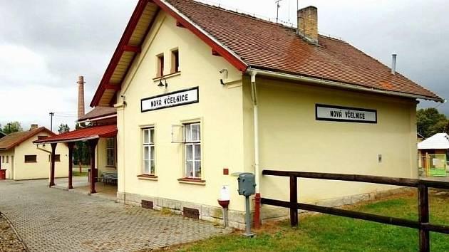 Vlaková zastávka v Nové včelnici. Ilustrační foto.