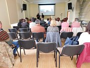 V jindřichohradecké knihovně se pravidelně konají zajímavé přednášky a besedy.