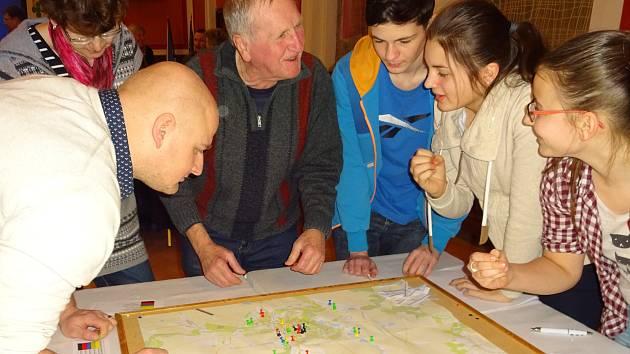 Na Fóru Zdravého města diskutovali lidé v Dačicích o tom, čím by se vedení města mělo co nejdříve zabývat.