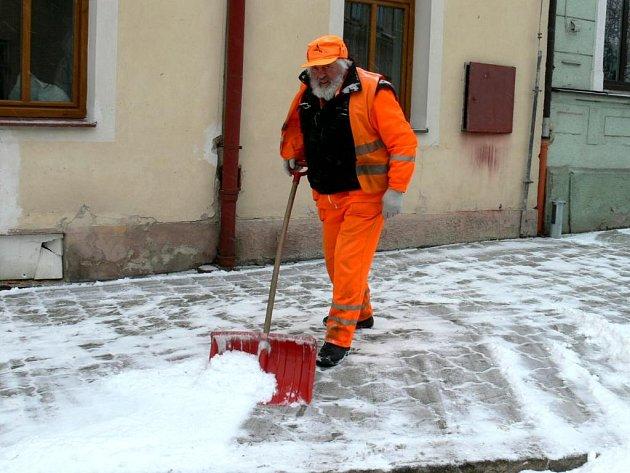Zima, sníh a mráz dorazily i do Jindřichova Hradce.