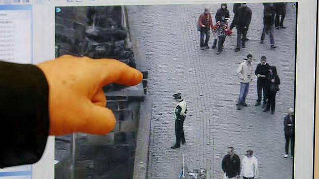 Kamery zachytí děj na ulici.