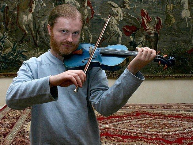 RYTÍŘSKÝ SÁL. Posluchači koncertu Pavla Šporcla byli jeho výkonem nadšeni a odnášeli si krásný hudební zážitek.