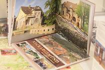 """Výstava """"Z historie partnerského města: železniční motivy Neckargemündu 50. a 60. let 20. století"""" je k vidění v přízemí Staré radnice."""