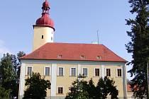 Oprava střechy na zámku ve Stráži nad Nežárkou.