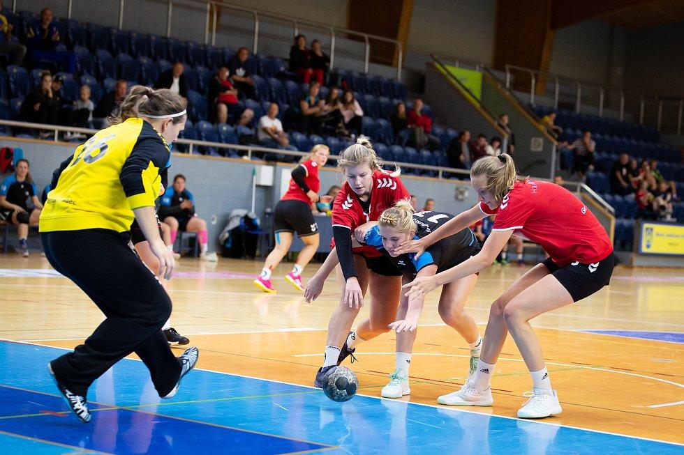 Jindřichohradecké házenkářky absolvovaly v domácí hale turnaj Nova Domus. V závěrečném utkání o celkové prvenství podlehly Havlíčkovu Brodu.