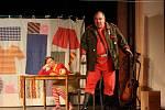 Členové jindřichohradecké divadelní společnosti Jablonský v této sezoně hrají představení s názvem Goldoniáda.