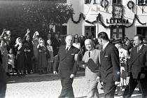 Návštěva prezidenta se nezažije každý den. V Dačicích se setkali s prezidentem Edvardem Benešem 20. července 1946.