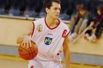 Basketbalista Jiří Holanda patří mezi úspěšné střelce.